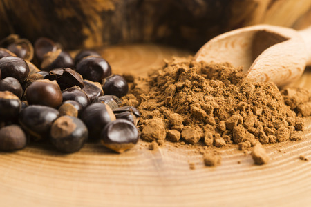 hazelnuts: Guarana seeds and powder