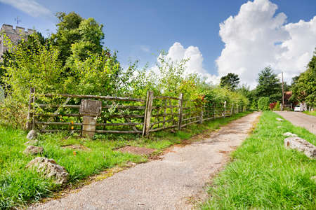 Public footpath by church in Hollingbourne, Kent Stock Photo - 9788124