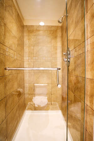 marbled effect: Vac�o (limpio) Recinto de la ducha en la casa de nuevo