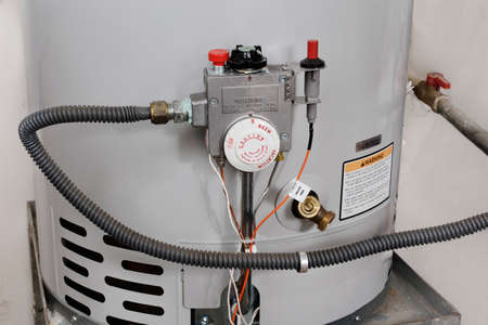 warm water: Watertemperatuur controles op een boiler