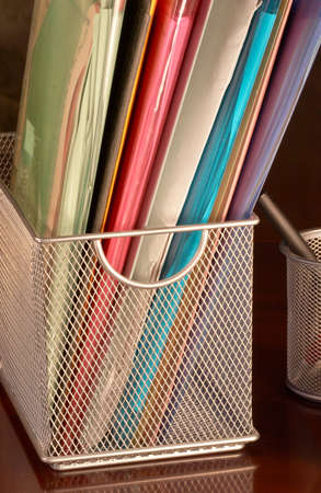 coded: Metal basket for color coded folders