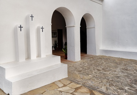 chaplain: church of san vicente Editorial