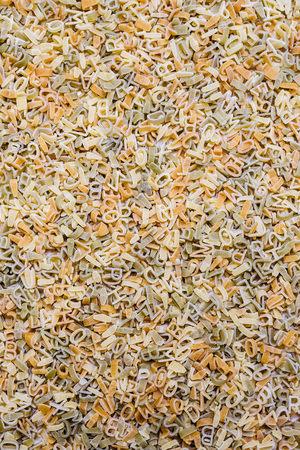 Lettervormige pasta om soep te maken of te spelen