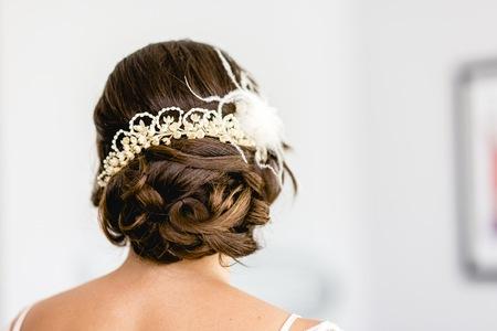Woman hairstyle for her wedding day.