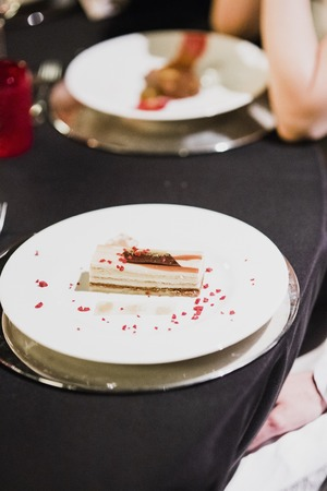 Cold desserts and wedding cakes