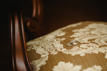 Single gold and silver wedding rings