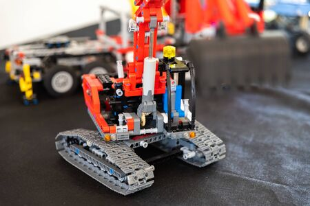 Valencia, Spain - April 3, 2019: Toy excavator made with Lego blocks. Stockfoto - 133857631