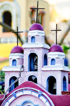 Popular representation of a church inside a Mexican cemetery. Imagens