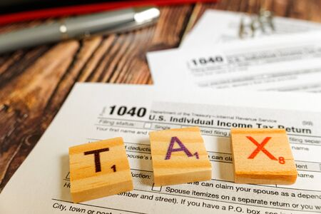 Form 1040 serves to pay federal taxes to the American government.