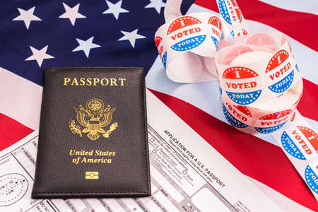 Application to get United States Passport on of American Flag and to be able to vote in the elections. Banco de Imagens
