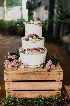 Delicious retro style wedding cake.