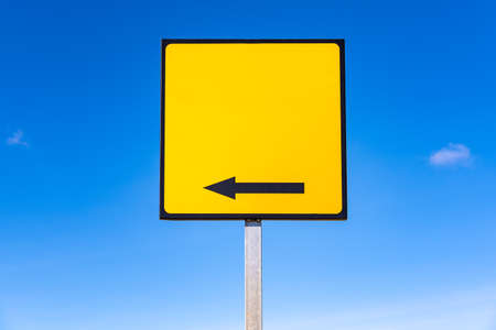 An empty square yellow traffic sign, with an arrow, to include text. Banque d'images