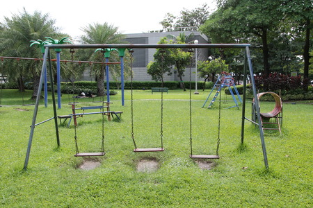 sway: hanging seat in the playground