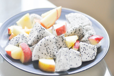 sliced apple: sliced apple and sliced dragon fruit
