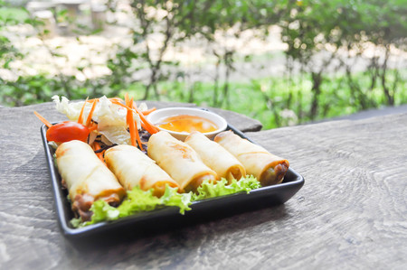 spring roll: Spring roll with vegetable and dip dish