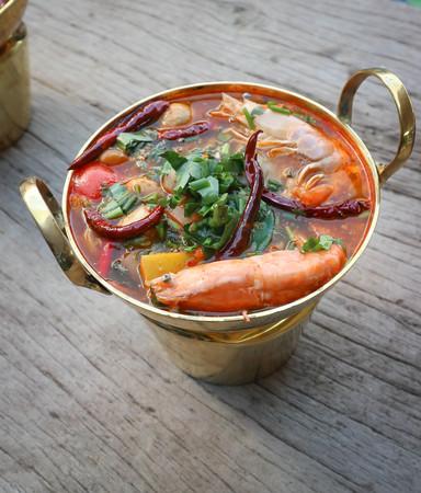 spicy soup or tom yum kung, Thai food Standard-Bild