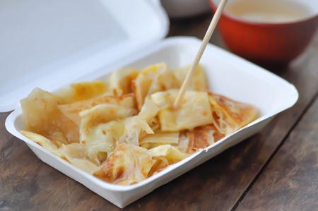 roti or naan , fried roti in Indain food and milk tea Standard-Bild