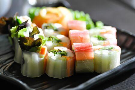 fresh spring roll, fresh roll or vegetable and shrimp roll Zdjęcie Seryjne