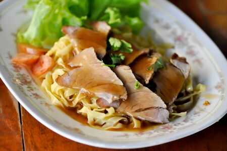 noodles, Chinese egg noodles or Chinese noodle