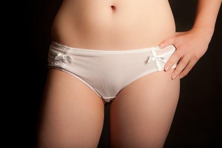 cotton panties: Sexy joven con bragas de algod�n blanco