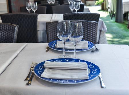 restaurant  table set exterior summer day Zdjęcie Seryjne
