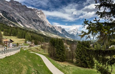 mountain panorama. Scenic sunny landscape Zdjęcie Seryjne - 94300056