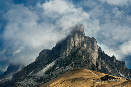 Mountain dramatic landscape. Passo Giau, Dolomites Italy. Desaturated Stockfoto