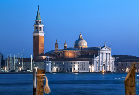 Venice at dusk. Blue sky and sea after sunset. Imagens