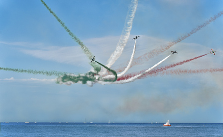 acrobatic aircraft team exhibition. Frecce Tricolori (Tricolour Arrows) Stockfoto - 95165573