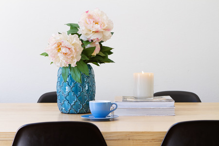 Contemporary interior dining table  with ornaments horizontal 스톡 콘텐츠