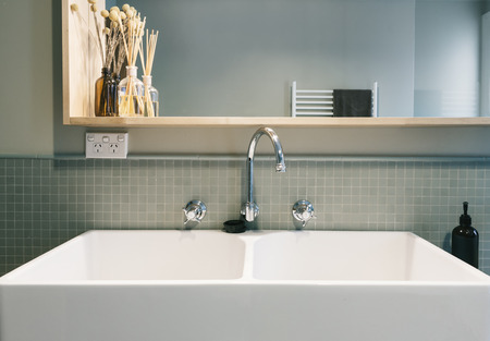 ensuite: Large farmhouse style basin in vintage styled renovated Australian home Stock Photo