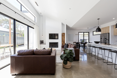 Stunning contemporary open plan spacious living and dining room 스톡 콘텐츠