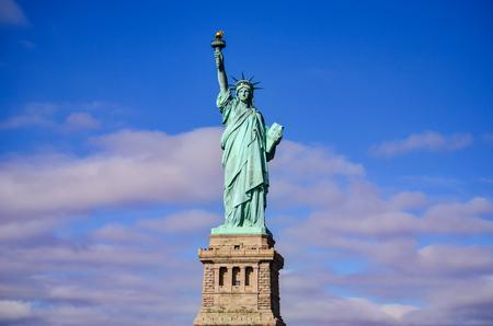 La Estatua de la Libertad en la ciudad de Nueva York, Estados Unidos.