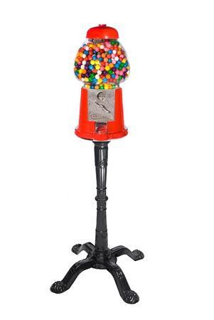 distributeur automatique: Gumball machine distributrice rempli de couleurs Gumballs isol� sur blanc