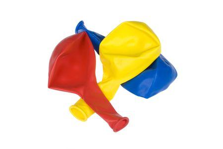 Trois coloré dégonflé ballons isolées sur un bachground blanc.  Banque d'images - 5231832