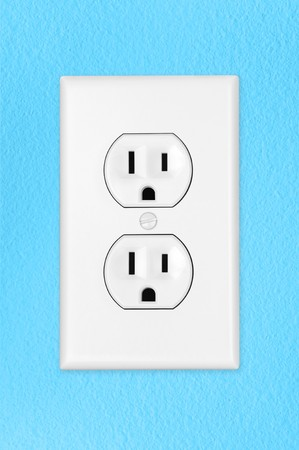 switch on the light: Un interruptor de luz el�ctrica de alternar moderno en una pared azul  Foto de archivo