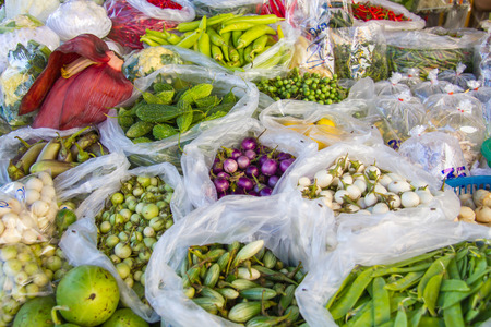 Many vegetables are fresh and nutritious and good for health.