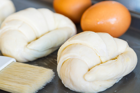 Flour and croissants are not yet ready to bake and roast until fragrant and delicious.