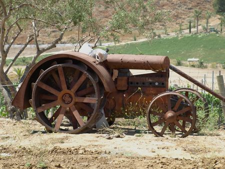 Old Rusted Tractor Stock Photo - 3369615