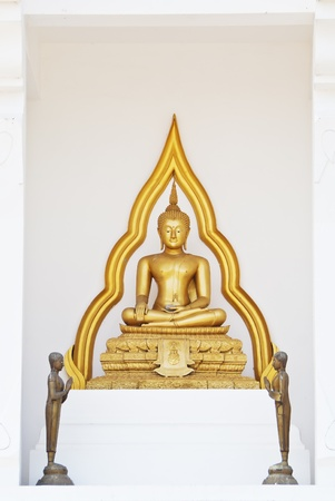 veneration: The statue of Buddha in Buddhism