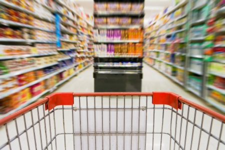 abarrotes: Compras en el supermercado Foto de archivo