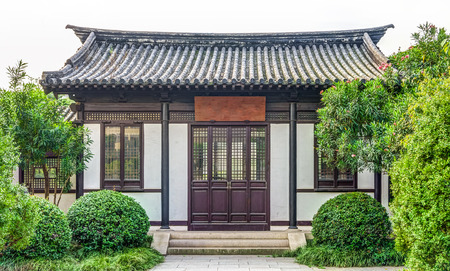 The architecture of ancient Chinese building in a garden Standard-Bild