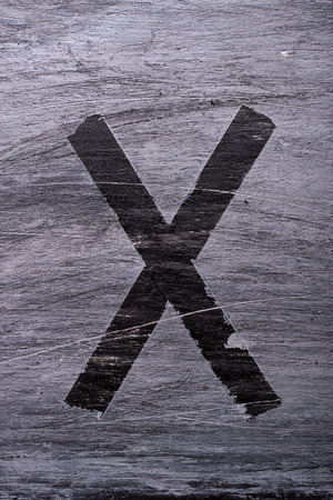 Zwarte grunge alfabet plakband effect.Letter X