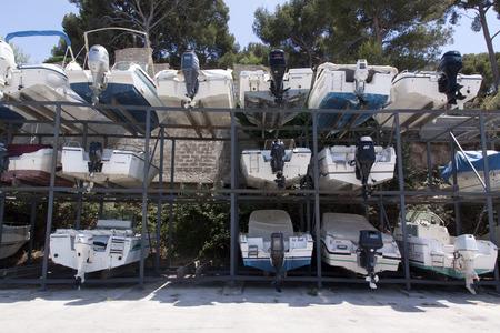 Nice, Frankrijk-21 juni 2015: boot opslag in de haven van Nice Frankrijk