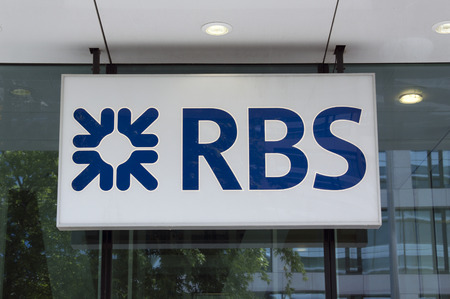 Amsterdam, Nederland-18 juli 2015: The Royal Bank of Scotland of gewoon RBS is een bank-verzekeraar dit kantoor is gevestigd in Amsterdam Redactioneel