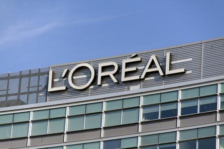 Amsterdam, Nederland-11 oktober 2015: nederlandse kantoor van L'Oréal, de L'Oréal Group is een Frans bedrijf dat actief is in de cosmetica en schoonheid