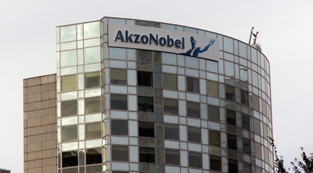 revestimientos: Amsterdam, Netherlands-november 8, 2015: Akzo Nobel is a Dutch multinational with activities in the fields of paints and coatings and chemicals Editorial