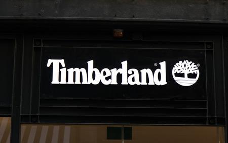 Amsterdam, Nederland-19 januari 2017: Gevel van een Timberland winkel in Amssterdam