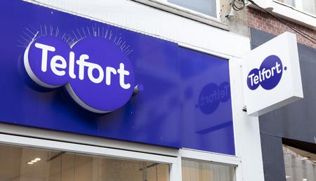 Amsterdam, Nederland-2 februari 2017: brieven telfort op een winkel in Amsterdam Redactioneel