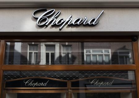 Amsterdam, Nederland-5 maart 2017: brieven chopard op een winkel in Amsterdam Redactioneel